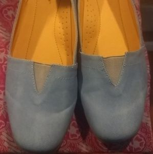 Comfy Blue loafer style flats